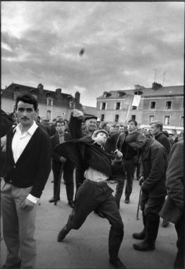 Manifestació d'agricultors a Redon, Gilles Caron, 1967